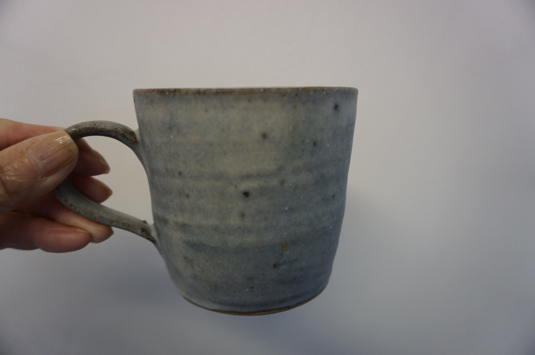 二井内覚さんのマグカップ・台形鉢 届きました_b0132442_18303308.jpeg