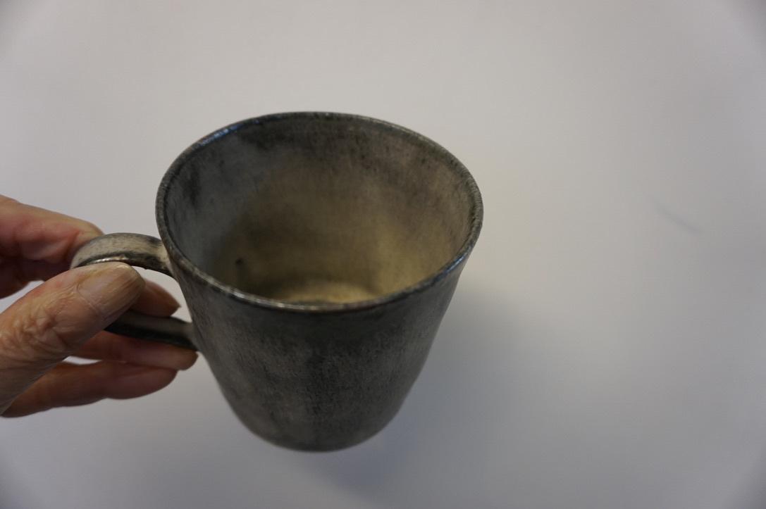 二井内覚さんのマグカップ・台形鉢 届きました_b0132442_18303621.jpeg