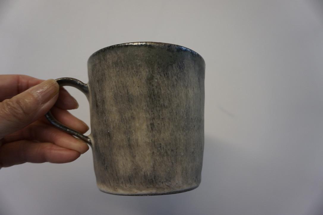 二井内覚さんのマグカップ・台形鉢 届きました_b0132442_18304065.jpeg
