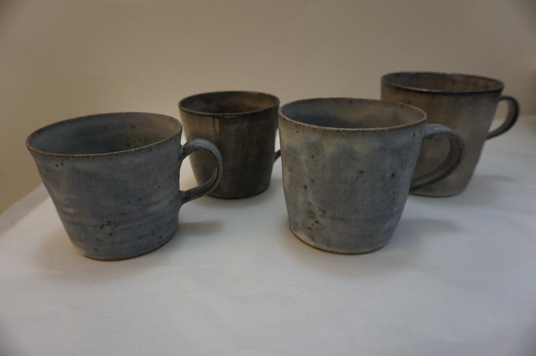 二井内覚さんのマグカップ・台形鉢 届きました_b0132442_18304618.jpeg