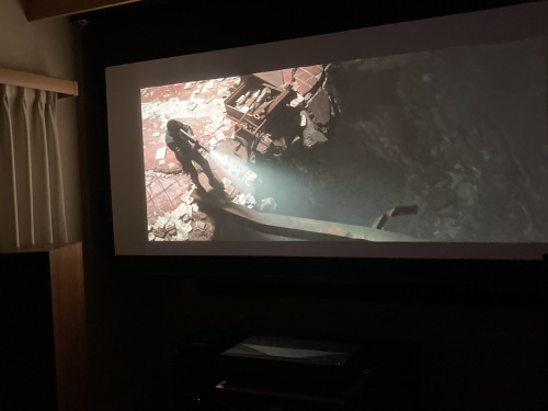 4K超単焦点プロジェクター Optoma P1視聴できます☆_c0113001_18574665.jpg