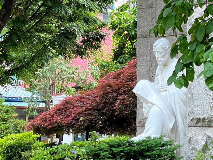 議政府2洞聖堂と駐韓米軍韓国人労働組合_e0160774_21070132.jpg