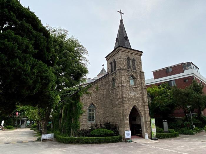 議政府2洞聖堂と駐韓米軍韓国人労働組合_e0160774_21083948.jpg