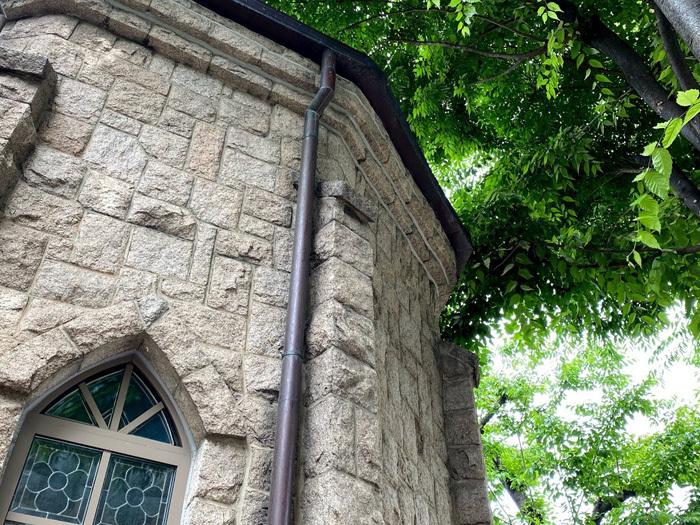 議政府2洞聖堂と駐韓米軍韓国人労働組合_e0160774_21084067.jpg