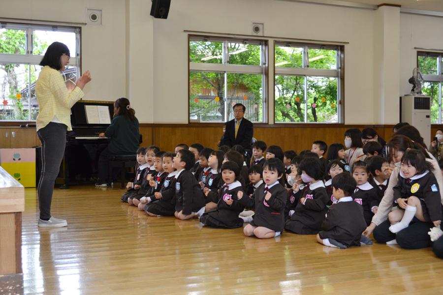 第二幼稚園「お誕生会」_d0353789_11224378.jpg