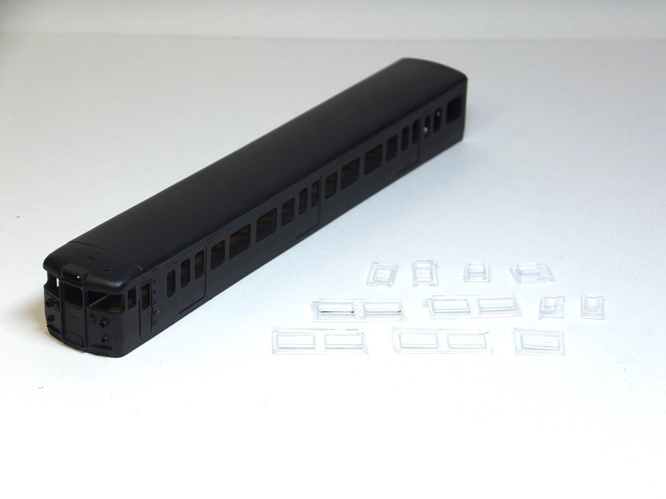 115系 クハ115-600 一体成型ボディキット_b0406338_01472681.jpg