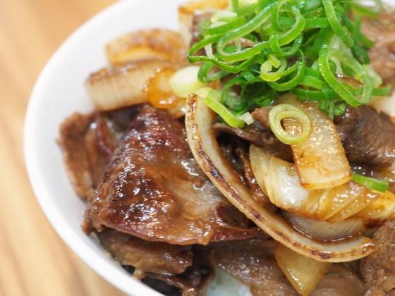 ガリバタ牛丼_a0258686_06024224.jpg