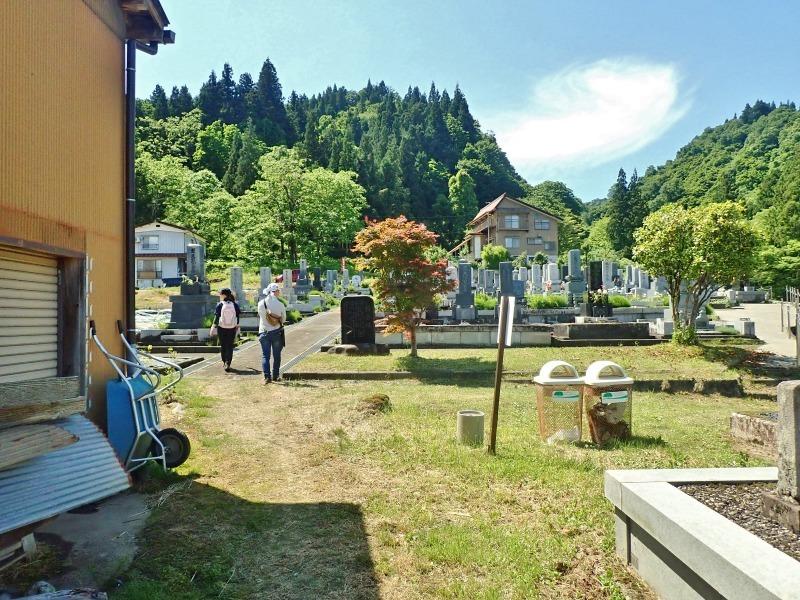 浦佐の西山へ二つの城跡を巡るコースへ_c0336902_21464238.jpg