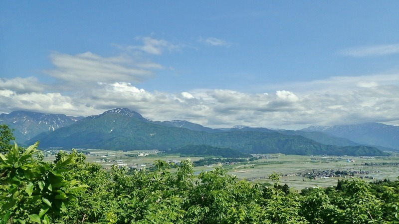 浦佐の西山へ二つの城跡を巡るコースへ_c0336902_21470026.jpg