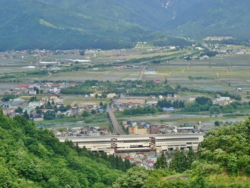 浦佐の西山へ二つの城跡を巡るコースへ_c0336902_21480330.jpg