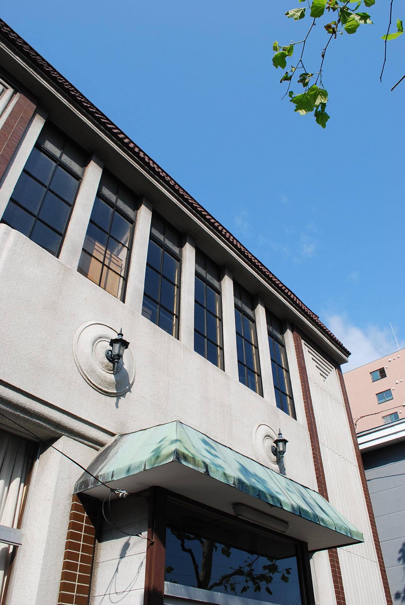 函館市末広町のイチヤマ商店(建築家・関根要太郎作品研究2021)_f0142606_17560135.jpg