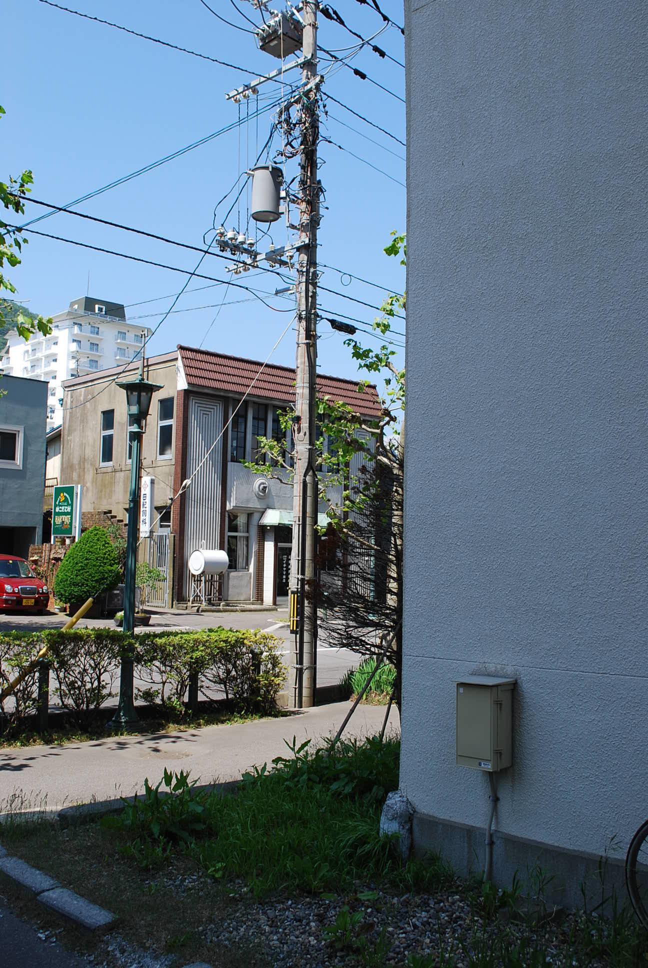 函館市末広町のイチヤマ商店(建築家・関根要太郎作品研究2021)_f0142606_17574434.jpg