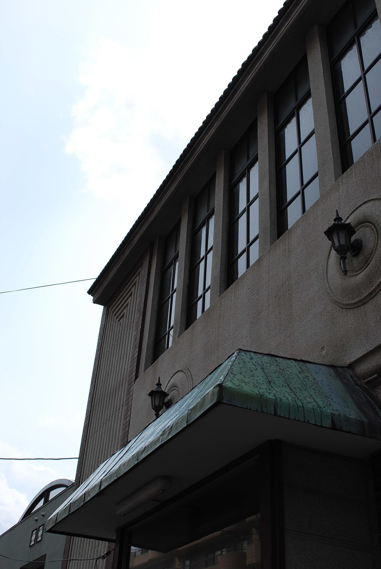 函館市末広町のイチヤマ商店(建築家・関根要太郎作品研究2021)_f0142606_18081966.jpg