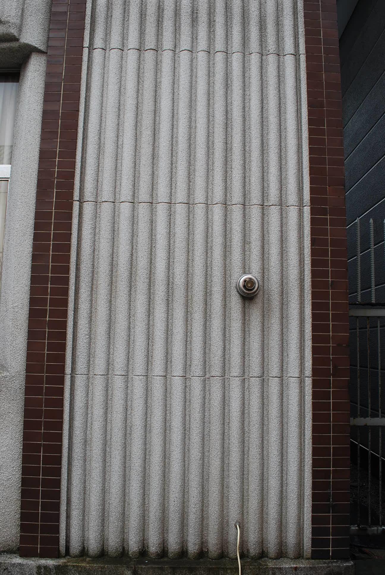 函館市末広町のイチヤマ商店(建築家・関根要太郎作品研究2021)_f0142606_18104872.jpg