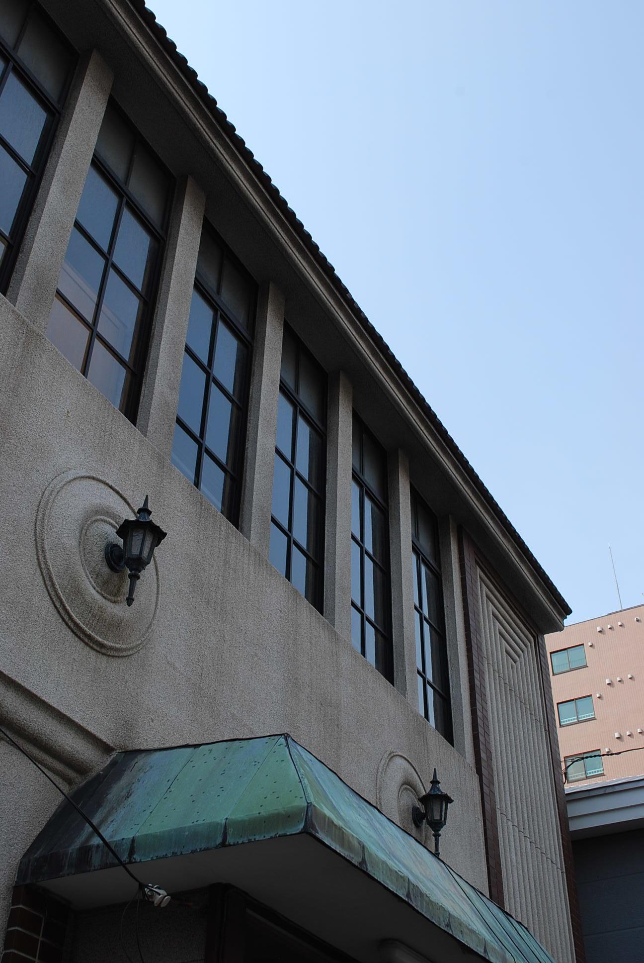 函館市末広町のイチヤマ商店(建築家・関根要太郎作品研究2021)_f0142606_18113470.jpg