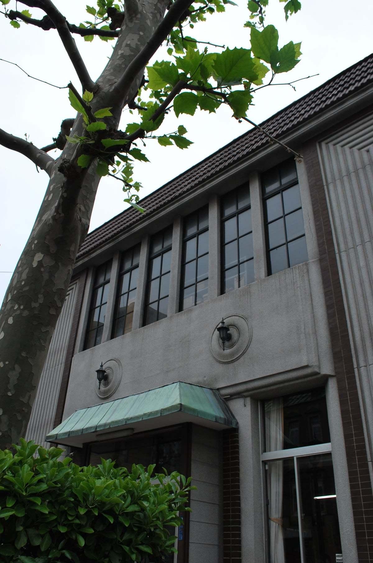 函館市末広町のイチヤマ商店(建築家・関根要太郎作品研究2021)_f0142606_19503106.jpg