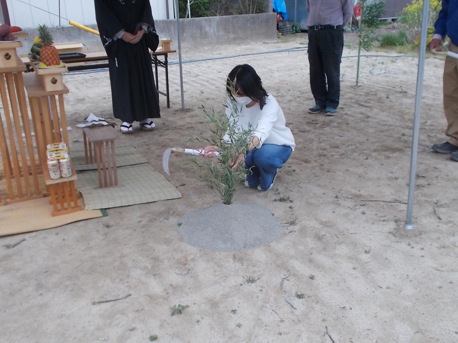 池田町2世帯の家の工事始まりました。_c0218716_13403158.jpg