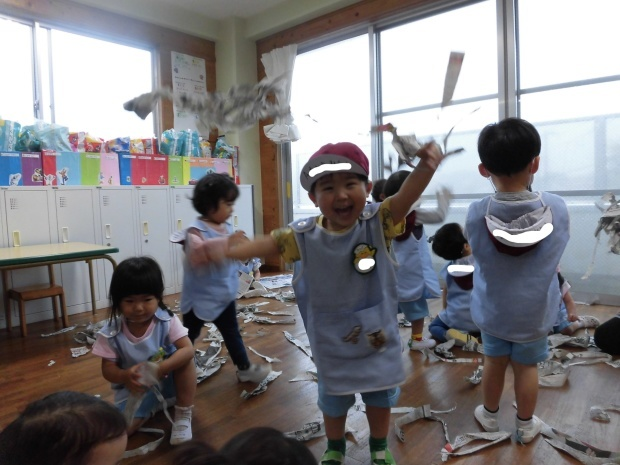 雨でも楽しい幼稚園_a0382671_10514464.jpg