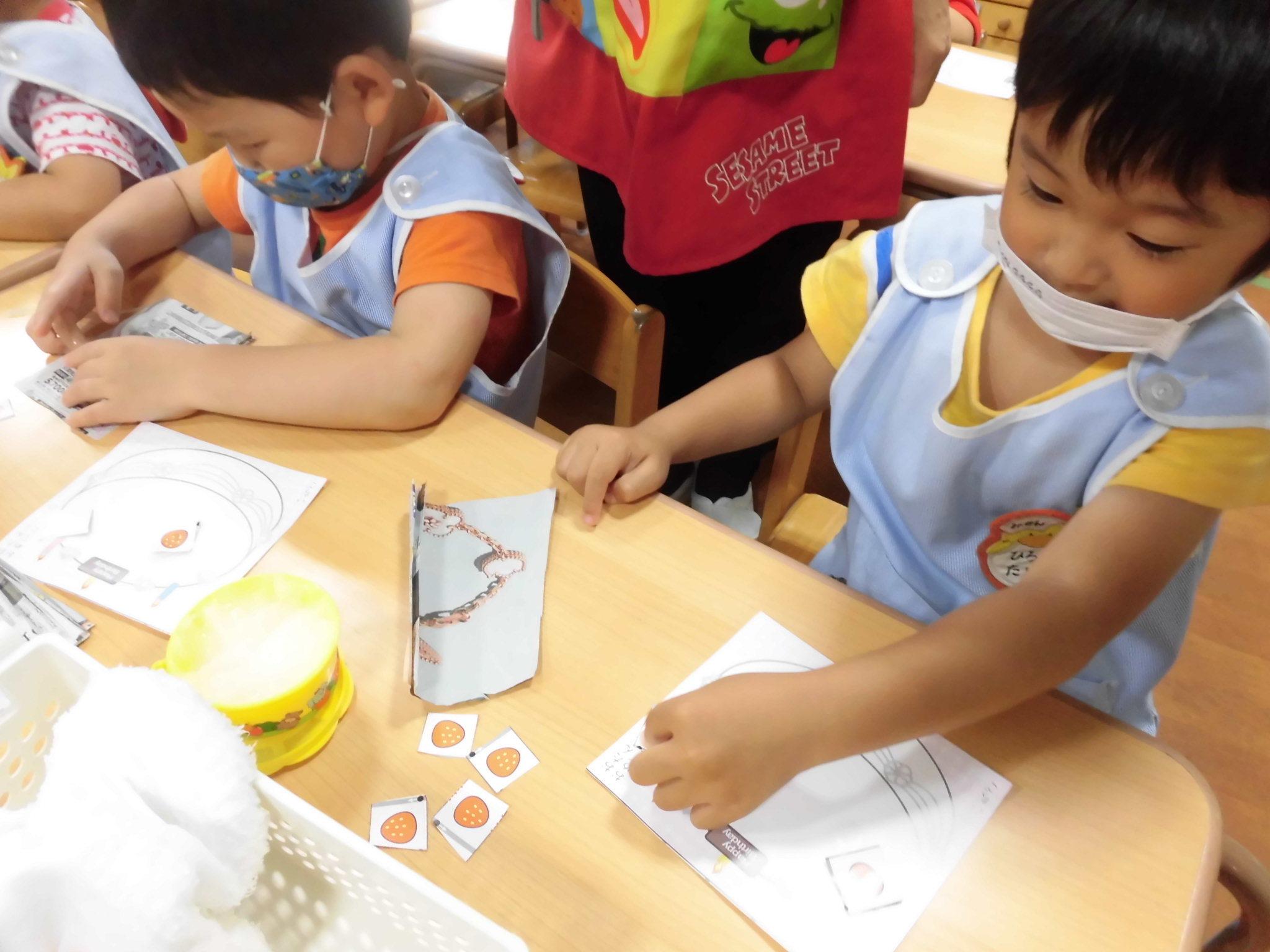 雨でも楽しい幼稚園_a0382671_11114103.jpg