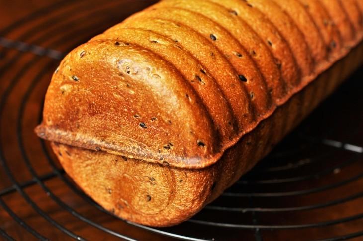 ラウンド型のパン_d0150287_19330402.jpg