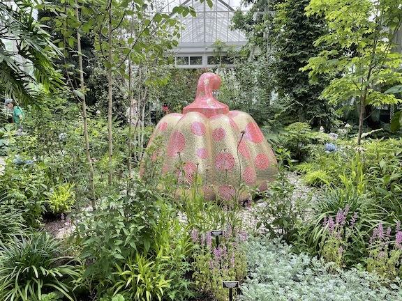 草間彌生になってNY植物園のKUSAMA展に行ったら、すごいことになった!_c0050387_16163217.jpg
