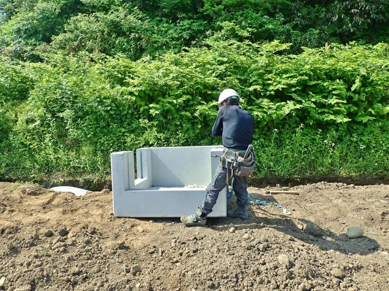 """「多面」では水路の\""""土砂溜め池\""""の設置工事が進んでいます_c0336902_20023249.jpg"""