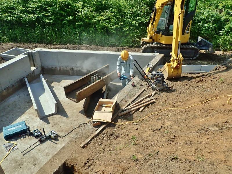 """「多面」では水路の\""""土砂溜め池\""""の設置工事が進んでいます_c0336902_20024350.jpg"""