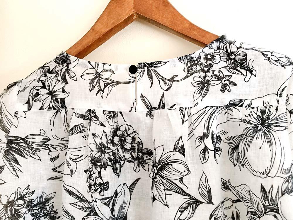 花柄リネンのチューリップ袖ブラウス_a0232169_20465156.jpg