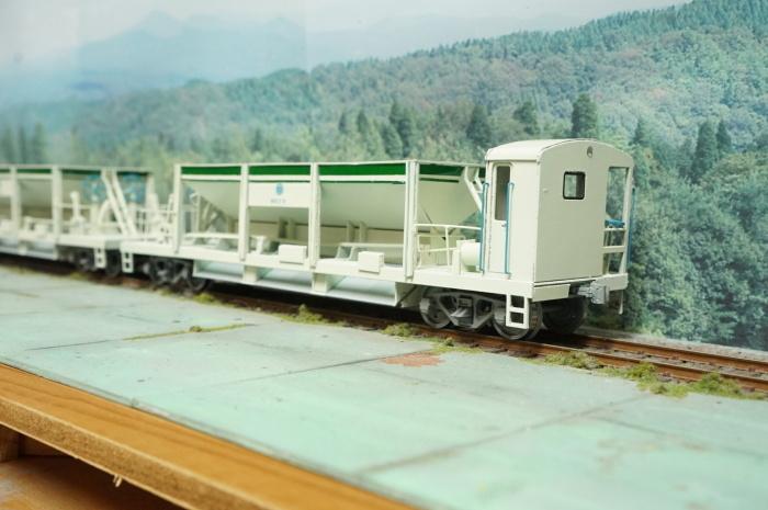 【鉄道模型・HO】西武ホキ81を作る・4_c0162772_21262918.jpg