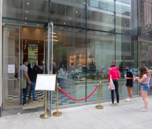 パリの伝説的な老舗のティールーム『アンジェリーナ』(Angelina)、ニューヨークに米国一号店をオープン_b0007805_07290448.jpg