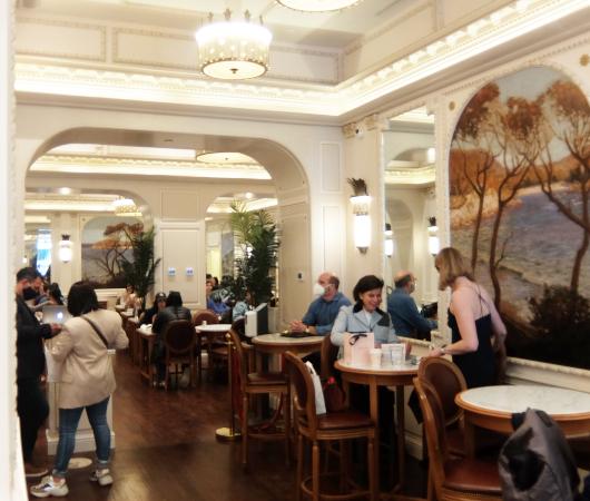 パリの伝説的な老舗のティールーム『アンジェリーナ』(Angelina)、ニューヨークに米国一号店をオープン_b0007805_08301556.jpg