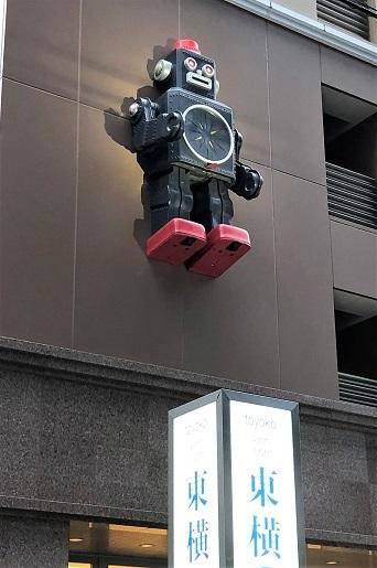 『マイティー8』が守るホテル。_f0177373_18274568.jpg