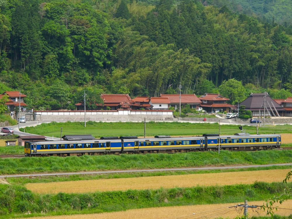 篠目駅近くで(2011年6月)_e0414296_17563773.jpg
