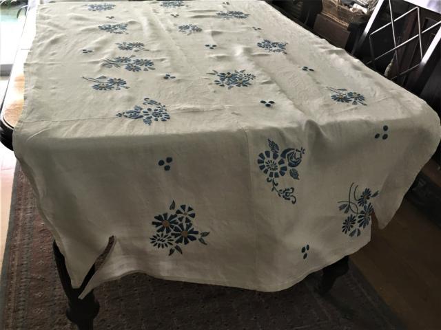 手織り麻青刺繍のカーテンもしくはテーブルクロス193  Hold(Suey6.10)_f0112550_00095026.jpg
