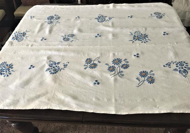 手織り麻青刺繍のカーテンもしくはテーブルクロス193  Hold(Suey6.10)_f0112550_00095050.jpg