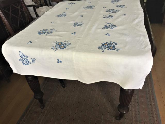 手織り麻青刺繍のカーテンもしくはテーブルクロス193  Hold(Suey6.10)_f0112550_00095053.jpg