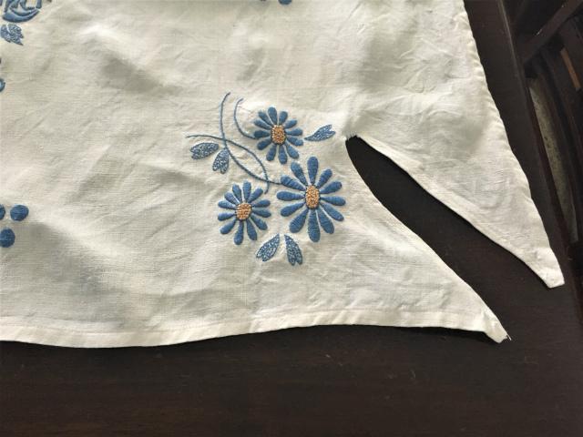 手織り麻青刺繍のカーテンもしくはテーブルクロス193  Hold(Suey6.10)_f0112550_00095199.jpg