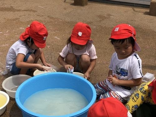 今年はじめての水遊びー!!_c0151262_17130340.jpg