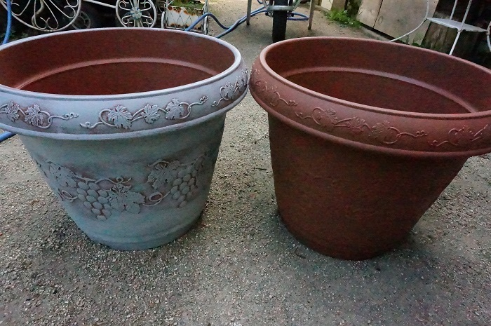 土の鉢か、樹脂の鉢か_e0365880_19143593.jpg