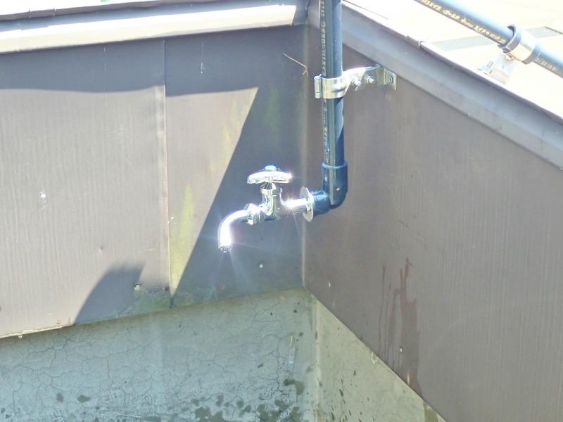 """屋上の水道栓を仮設から\""""準本設へ\""""としました!_c0336902_20152158.jpg"""