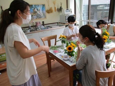 癒しの花時間 ~生花を使ったフラワーアレンジメント~_e0219012_14553687.jpg