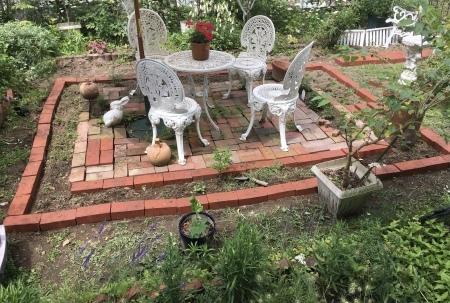 お庭ダイニングルームに変身_a0174419_13013971.jpeg