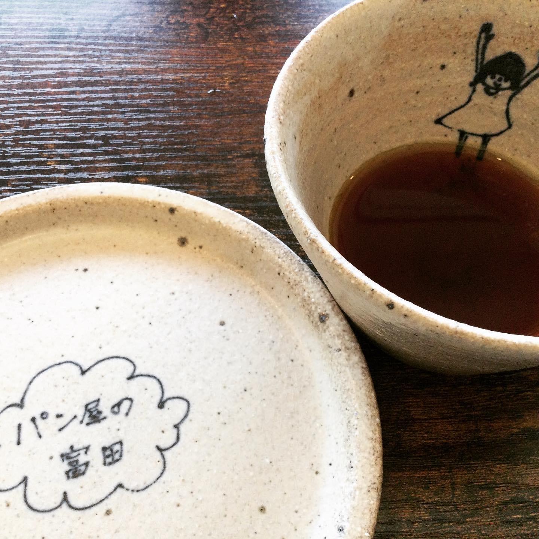 パン屋の富田は喫茶店です_e0071324_21245478.jpeg