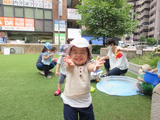 バチャバチャ水遊び♪_d0148342_11095861.jpg