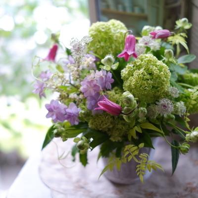 オークリーフ(ビバーナムとピンク色の季節花)_f0049672_17393362.jpg