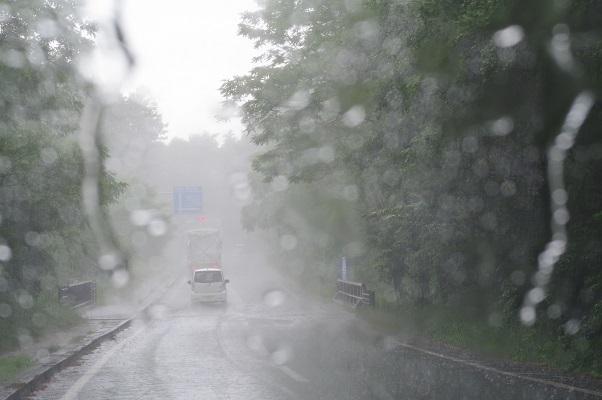 土砂降り_f0163491_22301999.jpg