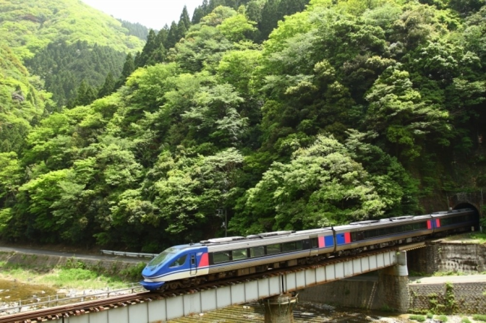 2021年5月 智頭界隈走る列車_f0233120_23073890.jpg