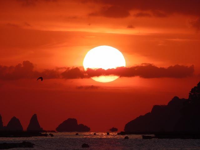 尾鷲湾口の日の出景色(撮影:4月27日)_e0321325_10410913.jpg