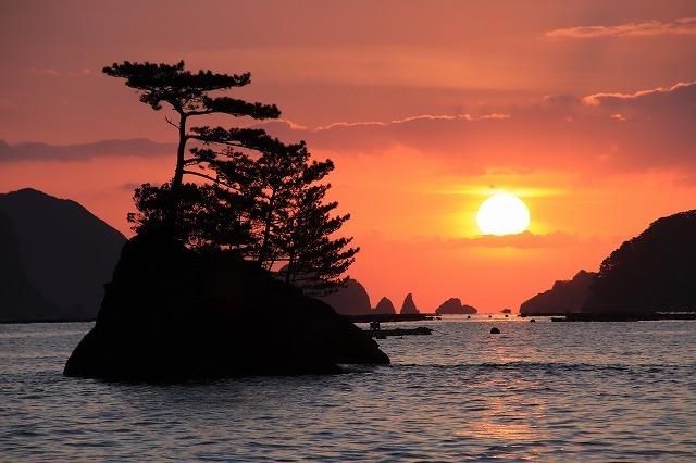 尾鷲湾口の日の出景色(撮影:4月27日)_e0321325_10415972.jpg