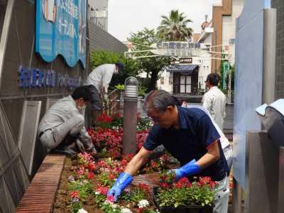 ガーデンふ頭総合案内所前花壇の植替えR3.6.14_d0338682_10115874.jpg